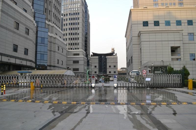 北京市政府(电动伸缩门吉祥305)