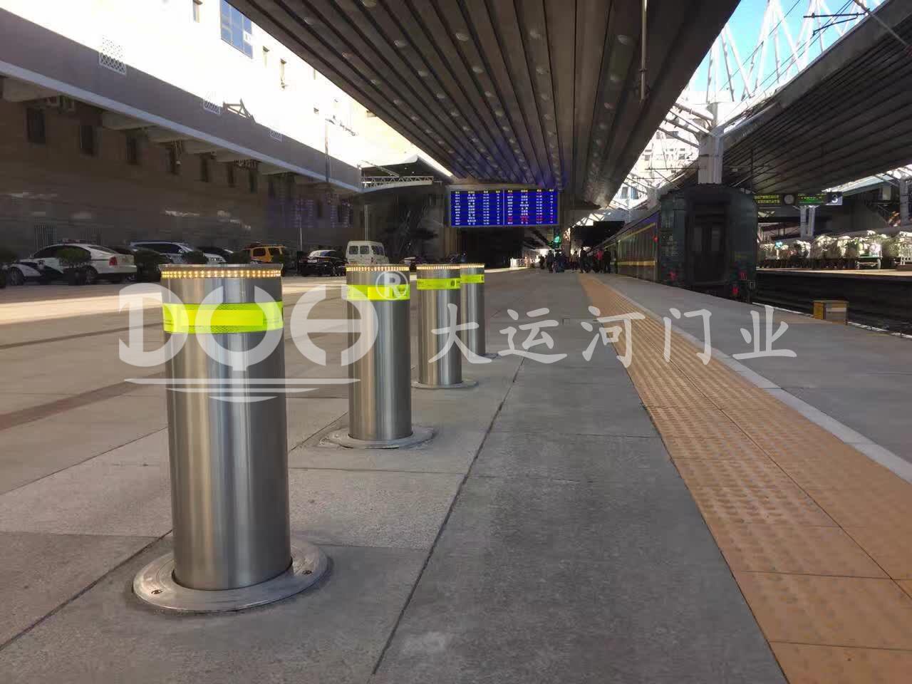 北京西客站(升降柱)